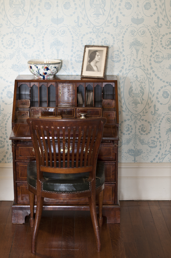 1720_Killerton desk_72